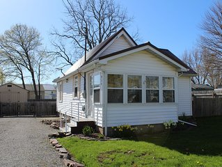 Point Breeze Cozy Cottage