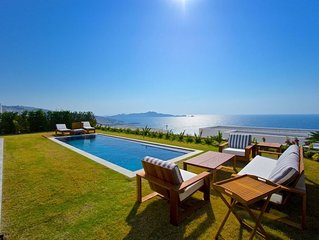 Luxurious seafront Mediterranean villa with private pool
