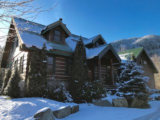 Luxurious Pemberton Log Home with Amazing Amenties and Location