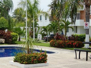 Casa Raquel - 3 Bedroom 2.5 Bath Townhome, 2 Blocks to Beach!  Walk everywhere!