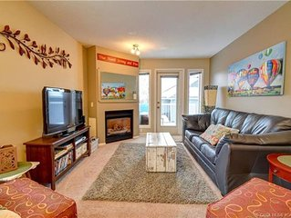 Sylvan Lake Condo Walking Distance To The Beach