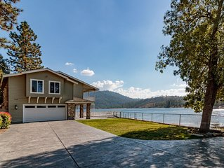 Luxurious lakefront home with private yard and dock