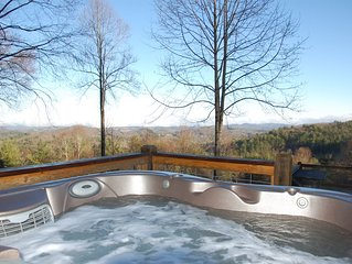 'View & Far Between' - Cozy Mountain Home with Hot Tub & Amazing View
