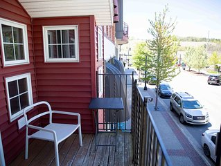 Heart of Downtown Apartment w/ Outdoor Patio, and Balcony w/ Channel views