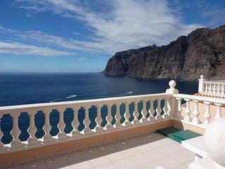Traumhafte Ferienwohnung mit großer Terrasse! Blick auf's Meer und Los Gigantes.