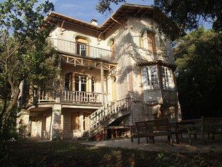 Villa Belle Epoque hors du commun, situation exceptionnelle face a l'Ocean