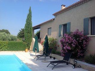 Charmante villa au calme, près du Ventoux et du Barroux, piscine vue imprenable