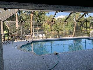 Waterfont Home, Heated Pool, Kayaks, and Ice Machine.
