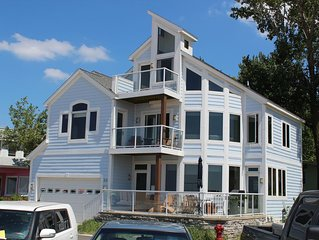 Luxury Home on North Beach: Gorgeous Views of Lake Michigan-Aug 22toSept 4 Open!