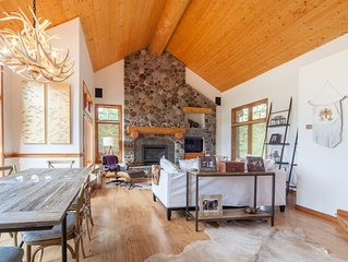 Ideal Ski Holiday Getaway! Perfect Ski In/Out Mountain Home