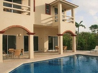 Luxury 6 Bedroom Vacation Villa with Pool in the Mayan Riviera