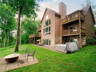 Home w/ lake access, hot tub, fire pit, & community amenities!
