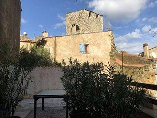 Appartement 4 personnes tout confort dans le centre historique de Lorgues