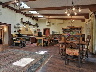Casa La Paloma - Historic Sonoma, Old World Charm, Great Location