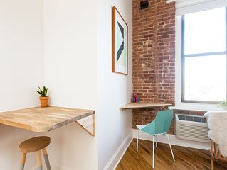 Beautiful City View Studio Loft in Converted Factory