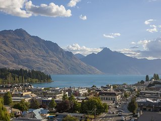 Expansive home in the Heart of Queenstown with Stunning Views.