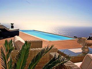 Außergewöhnliche Architekten-Villa mit traumhaften Meerblick und Infinity-Pool