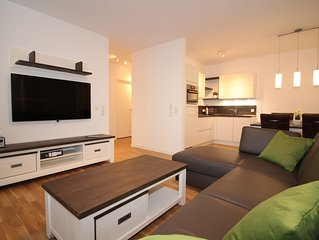 Neubau Ferienwohnung für 4 Personen mit LAN+WLAN , 3xSmart TV, Carport