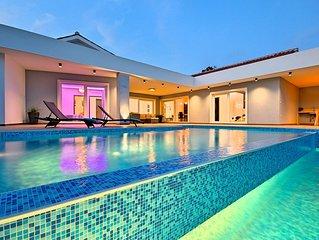 Neue Design-Villa mit grossem Infinity-Pool, ideal um ganze Istrien zu erleben