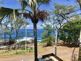 Villa contemporaine face à l'océan, pure style balinais, design, luxe, moderne