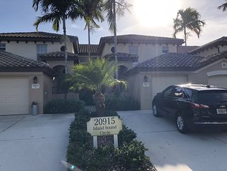 Stunning Pelican Sound coach home. Newly renovated, sleeps 8, full amenities!!