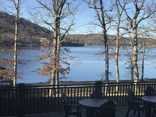 Lakefront on Deep Creek Lake -- walkout to water!