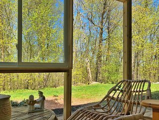 PARTY RESTRICTED Cozy Large Sun-room private forest view clo Petrie Island beach