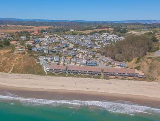 Panoramic Views of the Monterey Bay!1 minute walk to the beach. 2300 sq. ft.
