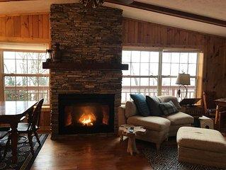 Shining Rocks - Beautiful Cabin on 200 Feet of Ledgerock Lake Superior -Stunning