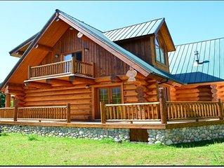 Stunning Log Home Near Mt. Rainier National Park and White Pass