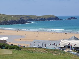 Fistral Pearl Apartment overlooking Fistral Beach and Golf Course