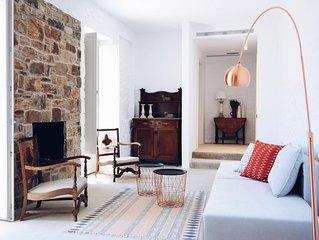 Exclusive Getaway | Beautiful Double Suite (2 bedrooms - sleeps 6)