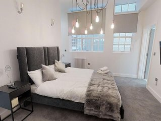 Grand Deluxe 2 Bed Apartment Central Birmingham