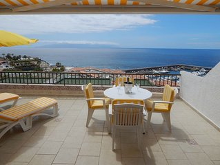 Fantastic sea views, close to all amenities, suitable for couples and families