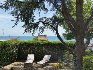 Esclusivo appartamento in villa con giardino fronte spiaggia di Vindicio-Formia