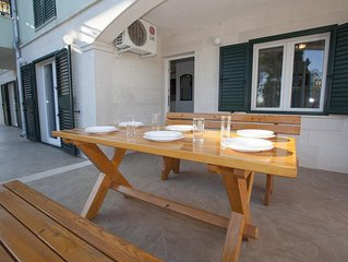 Two bedroom apartment with terrace Sumartin (Brac) (A-17267-a)