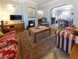 Artists' House, town centre, free parking free secure unrestricted WiFi