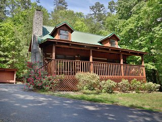 Bear Trails is the perfect cabin for the whole family. This 2 bedroom cabin slee