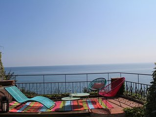 VILLA ON THE SEA WITH GARDEN POOL AND PARKING Villa sul mare con giardino piscin