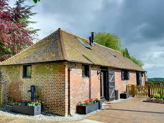 Charming Holiday Home in Faversham with Garden