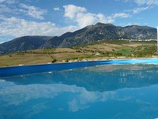 Le Farfalle Abruzzo - Farmhouse apartment 1 with pool near Casoli