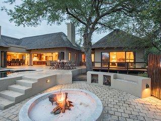 Luxury bush villa in a exclusive wildlife estate near Kruger Park (free wifi)