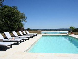 Beautifully appointed Farmhouse sleeps 8 with pool and far reaching views