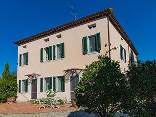 Vivi - villa indipendente con giardino, piscina privata, WIFI, Lucca campagna