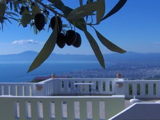 Spacious 2 bedroom holiday home with fabulous views over Kalamata