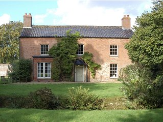 Ling House, sleeps 12 in Anmer, Sandringham, Norfolk- 6 Bedroom Country Retreat