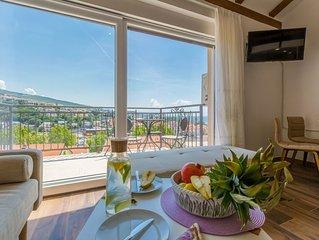 Neue Wohnung mit dem Meerblick im Zentrum!