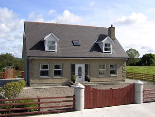 Detached House for 8/9