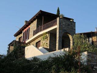 #FLH - Roses & Stones (Mount Villa)