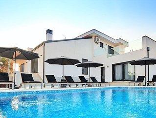 Beautiful Villa in Kaštel Croatia with Swimming Pool
